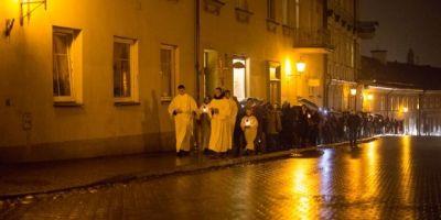 katalikų eisena
